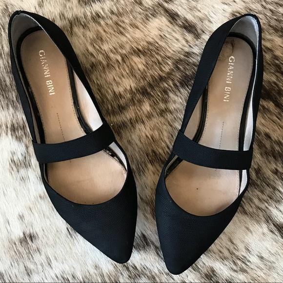 Gianni Bini Black Ballet Flats Pointed